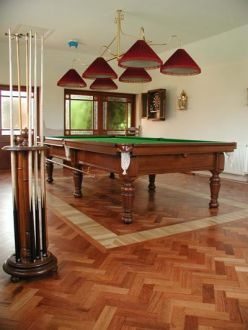 Pool/Billiard/Dining Tables in Frankfurt, Germany