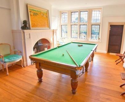 (M1196) 9 ft Mahogany Turned & Reeded Leg Snooker Table
