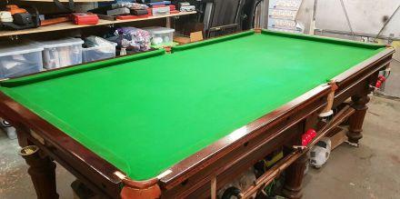 (M1134) 8 ft Oak Turned & Fluted Leg Thurston Snooker Table