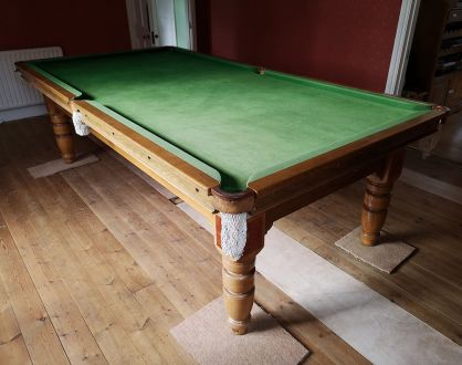 (M1179) 9 ft H & T Snooker/Pool Convertible Dining Table