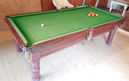 (M1214) 8 ft Mahogany Turned Leg Snooker & Pool Table