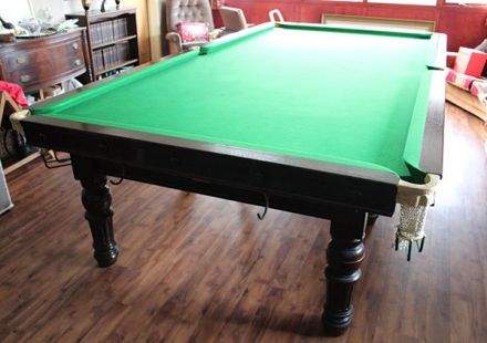 (M1221) 10 ft Mahogany Turned & Fluted Leg Snooker Table