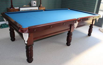 (M973) 9 ft Vintage Snooker/Pool Table with turned legs
