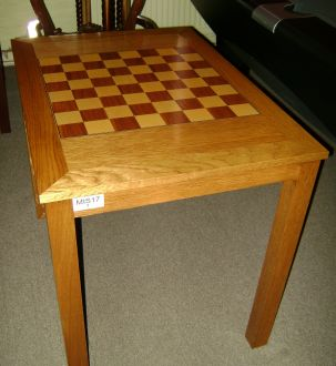 (MIS17) Hamilton Oak Handmade Chess Table