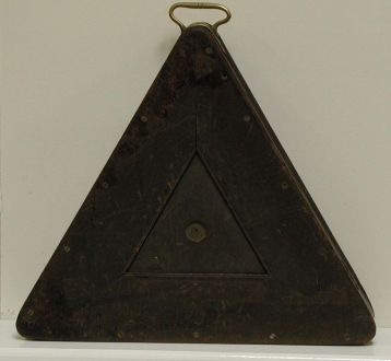 (MIS48) Antique Triangular Ball Box in Mahogany