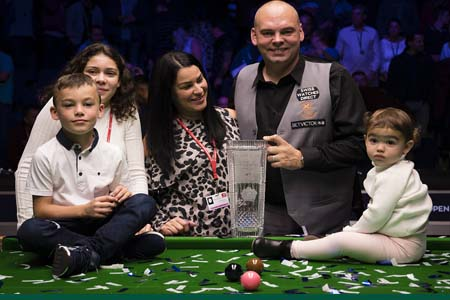 Stuart Bingham beats Stephen Maguire at the English Open final