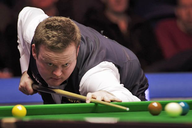 Shaun Murphy looks on as he is defeated by Mark Allen in the final of the 2018 Scottish Open