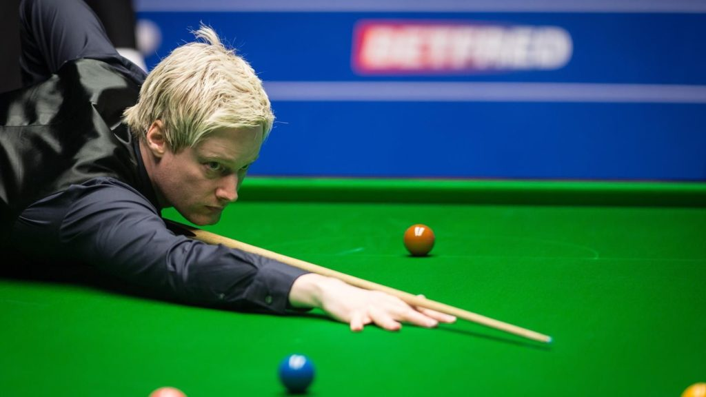 Australian Neil Robertson is now the favourite to lift the World Championship after guaranteeing his place in the quarter-finals.
